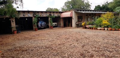 Kameeldrift East property for sale. Ref No: 13699774. Picture no 19