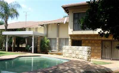 Property and Houses for sale in Faerie Glen, House, 5 Bedrooms - ZAR 3,550,000
