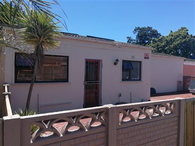 Townhouse for sale in Groenvallei