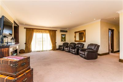 Chancliff for sale property. Ref No: 13701378. Picture no 30