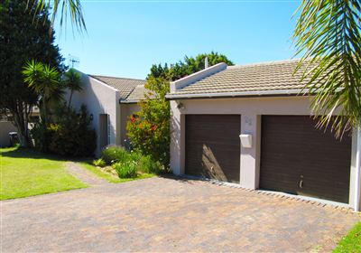 Brackenfell, Vredekloof Property    Houses For Sale Vredekloof, Vredekloof, House 3 bedrooms property for sale Price:2,395,000