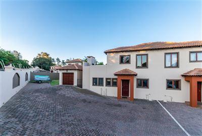 Krugersdorp, Noordheuwel Property  | Houses For Sale Noordheuwel, Noordheuwel, Townhouse 2 bedrooms property for sale Price:990,000