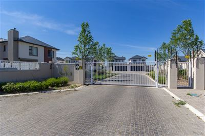 Kraaifontein, Buhrein Property  | Houses For Sale Buhrein, Buhrein, Townhouse 3 bedrooms property for sale Price:1,695,000