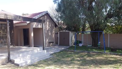 Johannesburg, Suideroord Property    Houses For Sale Suideroord, Suideroord, House 3 bedrooms property for sale Price:1,599,000