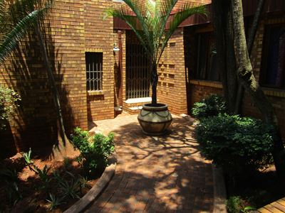 Property and Houses for sale in Ninapark, House, 4 Bedrooms - ZAR 2,740,000