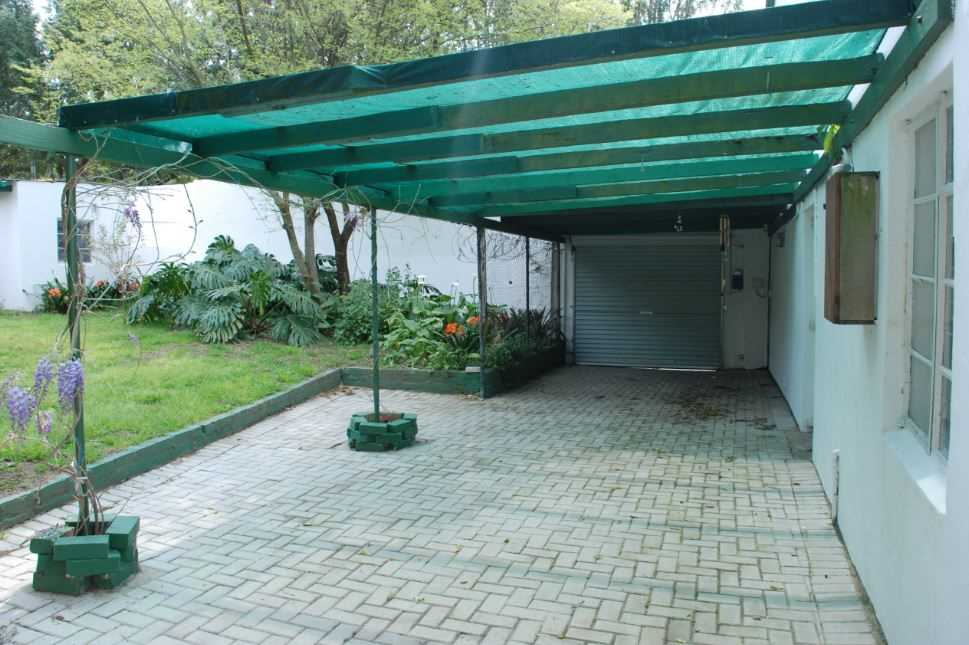 carport and driveway parking