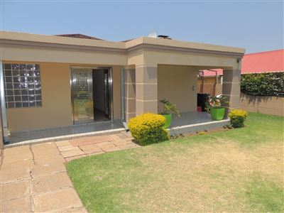 Johannesburg, Crown Gardens Property    Houses For Sale Crown Gardens, Crown Gardens, House 3 bedrooms property for sale Price:1,450,000