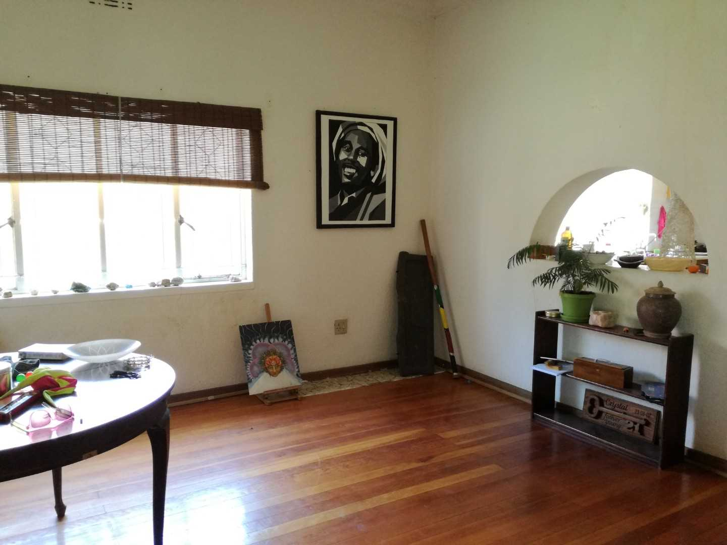 Ideal Location.  3 Bed, 2 Bath with Flatlet. Opposite School
