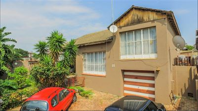 House for sale in Rosettenville