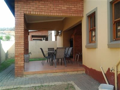 Property and Houses for sale in Alberante, Townhouse, 3 Bedrooms - ZAR 1,850,000