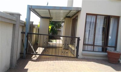 Witbank, Hoeveld Park Property  | Houses For Sale Hoeveld Park, Hoeveld Park, Townhouse 4 bedrooms property for sale Price:1,300,000