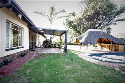 Property and Houses for sale in Garsfontein, House, 4 Bedrooms - ZAR 2,290,000