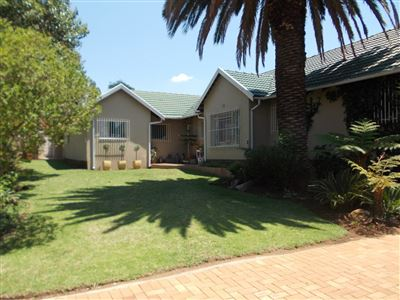 Property and Houses for sale in Brackendowns, House, 4 Bedrooms - ZAR 2,290,000