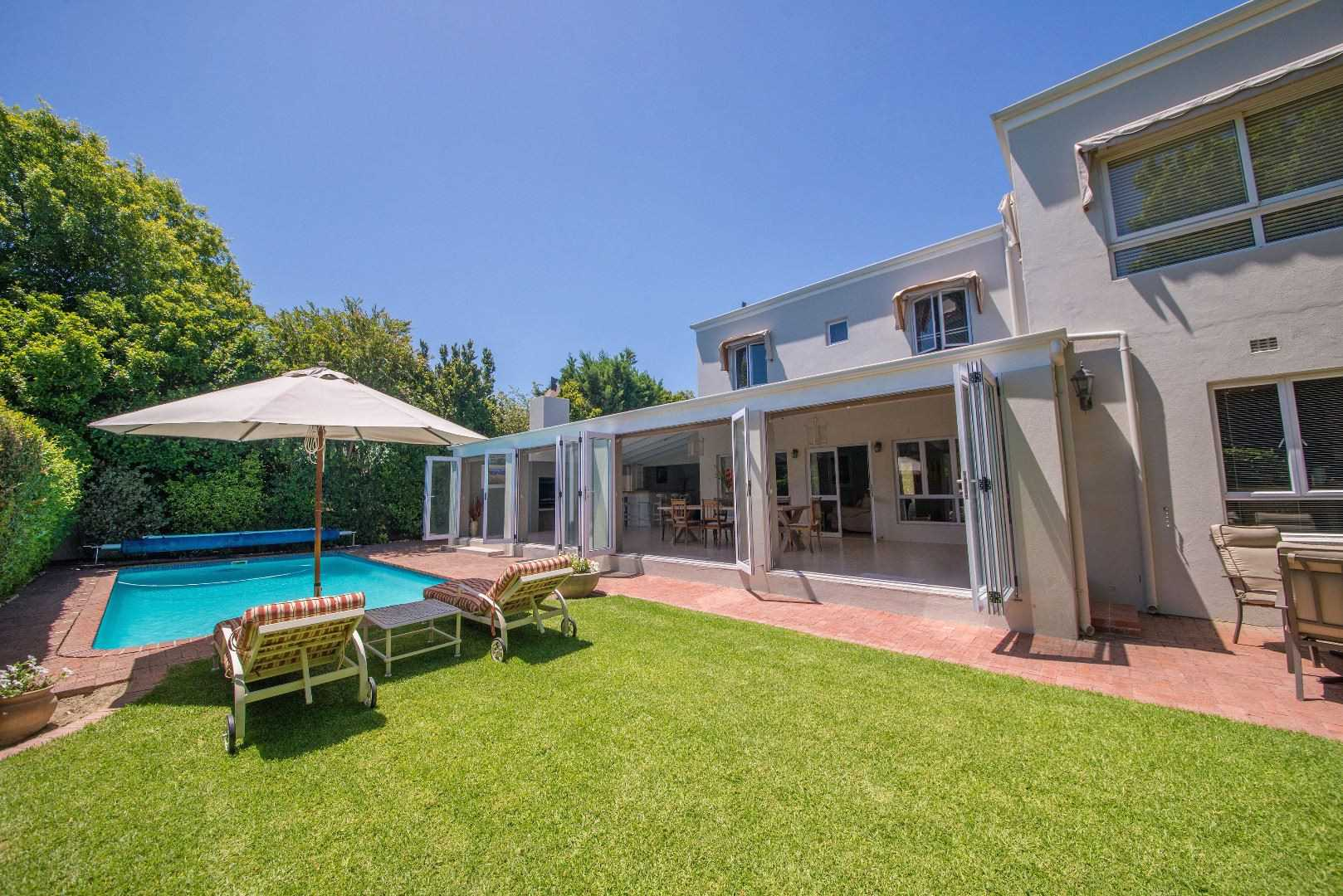 Renovated Home In Prestigious Erinvale Golf Estate