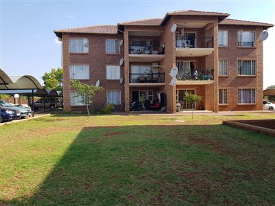 Property and Houses for sale in Glen Lauriston, Apartment, 3 Bedrooms - ZAR 1,080,000