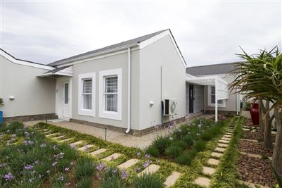 Townhouse for sale in Erasmus Park