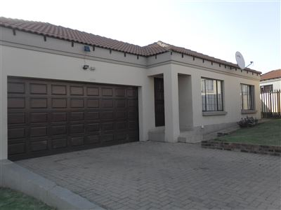 Property and Houses for sale in Jackaroo Park, House, 2 Bedrooms - ZAR 720,000