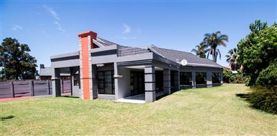 Johannesburg, Robertsham Property  | Houses For Sale Robertsham, Robertsham, House 3 bedrooms property for sale Price:1,590,000