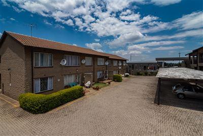Krugersdorp, Krugersdorp North Property  | Houses For Sale Krugersdorp North, Krugersdorp North, Apartment 2 bedrooms property for sale Price:440,000