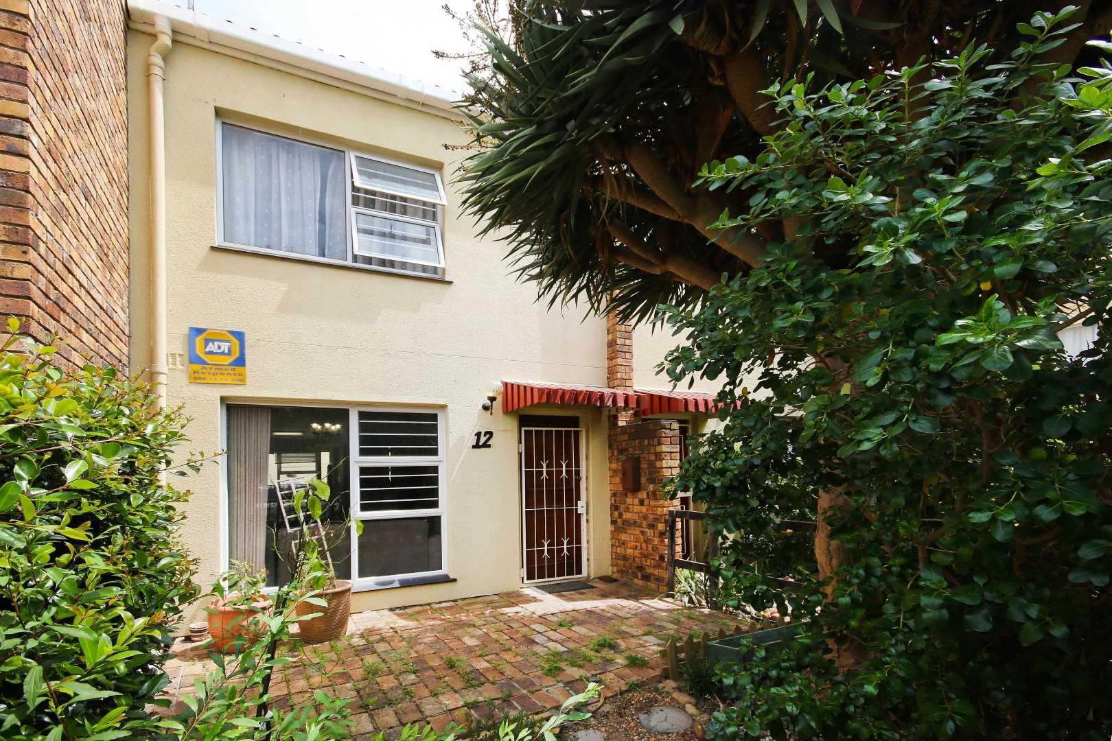 Generous Duplex Apartment in Somerset West