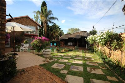 Property and Houses for sale in Garsfontein, House, 4 Bedrooms - ZAR 2,300,000