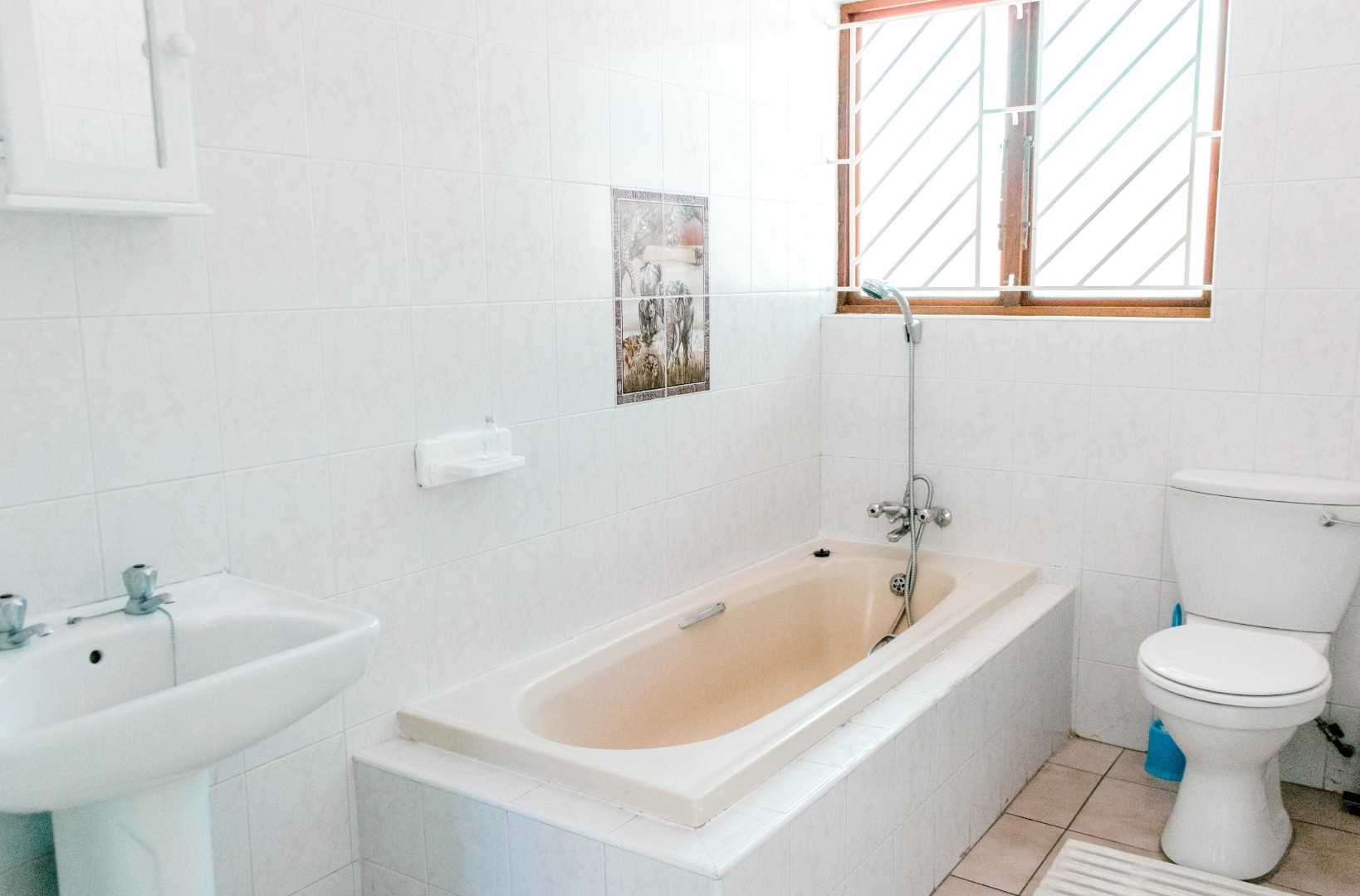 Unit's bathroom