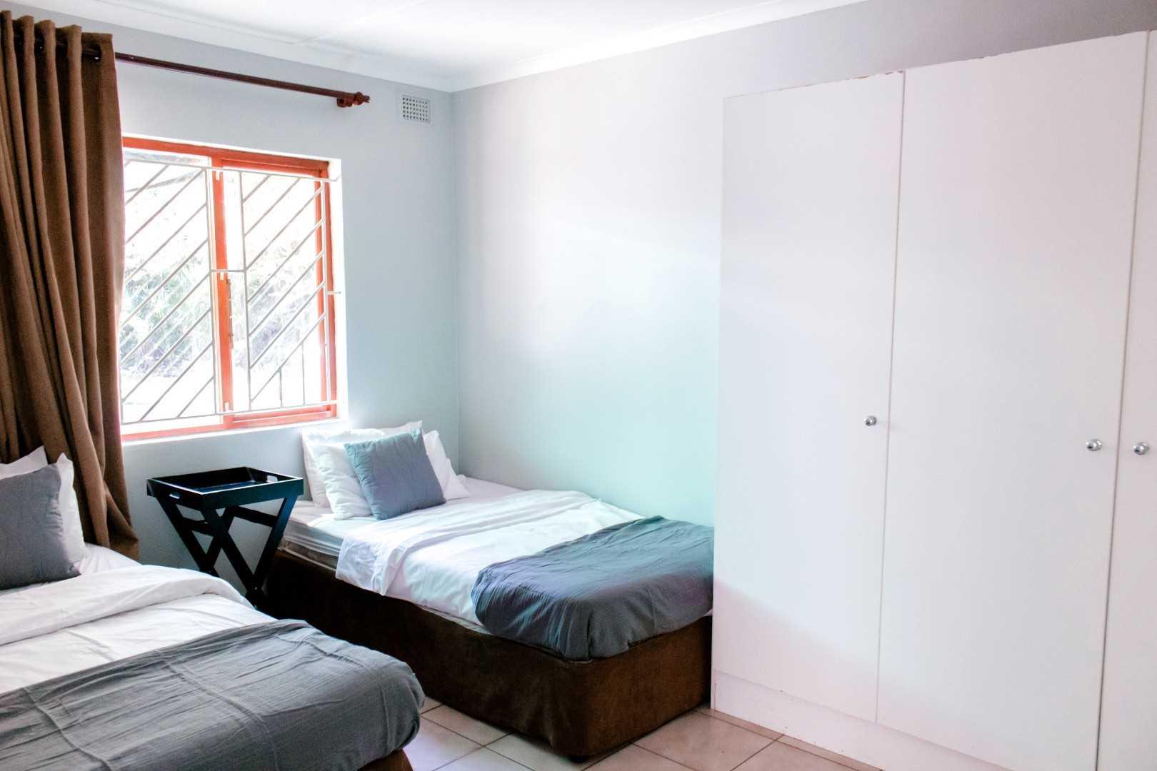 2 and 3 bedroom's decor with BIC