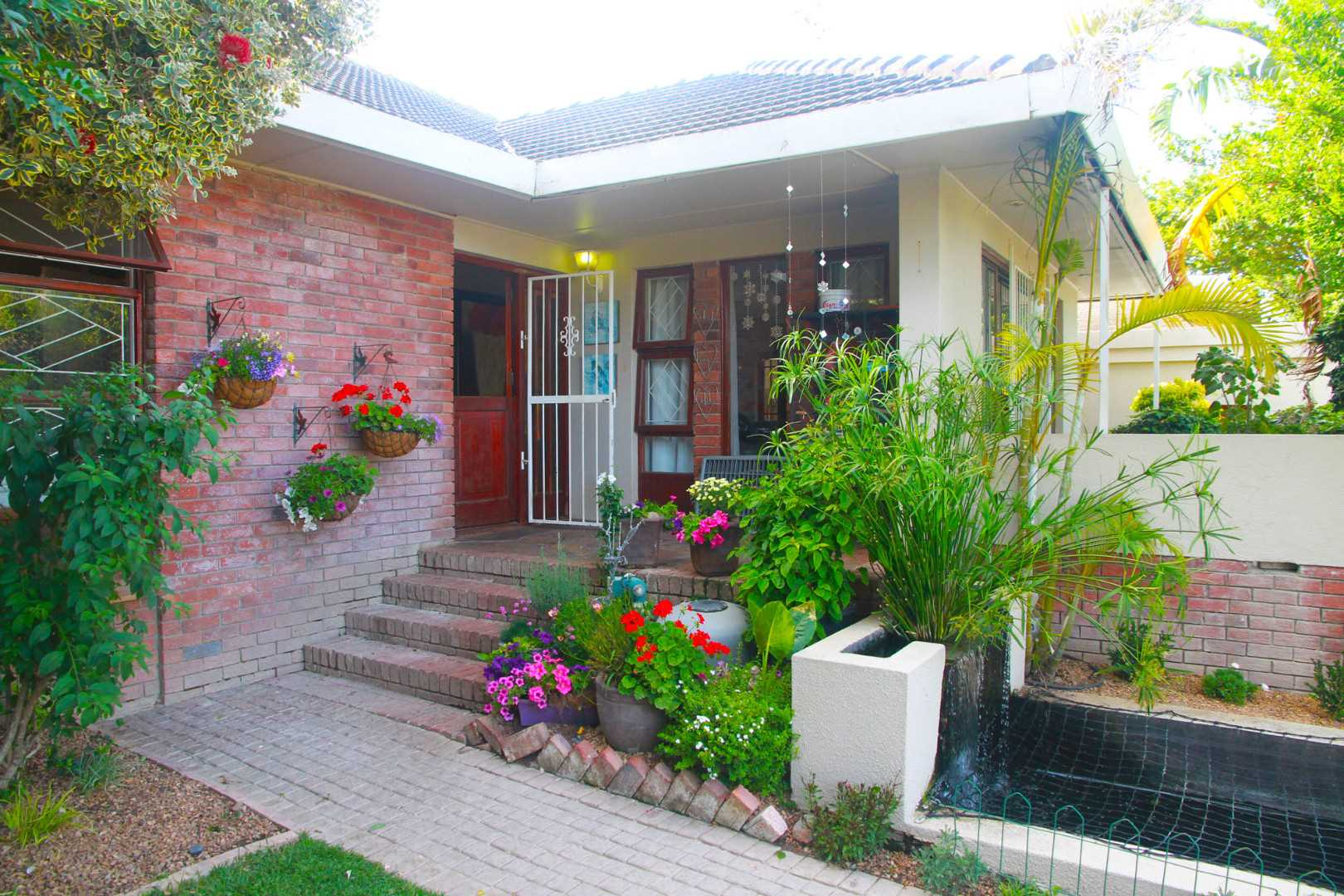 Large family home for sale in Stellenberg