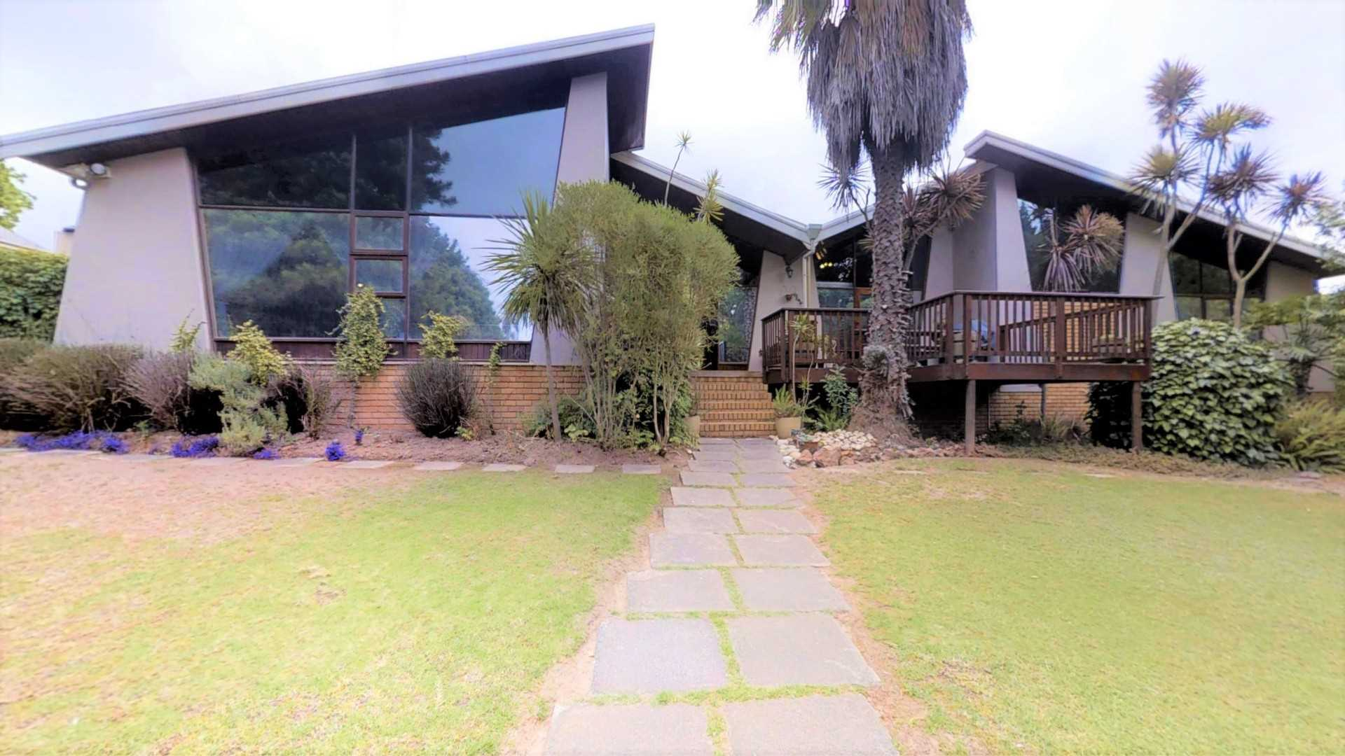 Large 4 Bedroom family home in Durbanville/work from home
