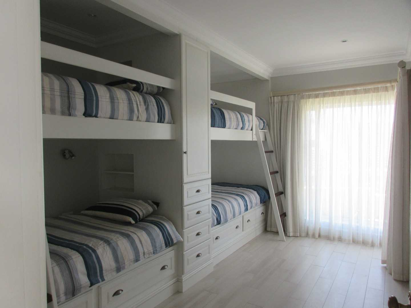 Children's room with en-suite bathroom