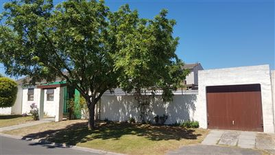 Brackenfell, Northpine Property  | Houses For Sale Northpine, Northpine, House 4 bedrooms property for sale Price:1,075,000