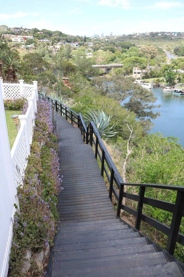 boardwalk stairs down to river