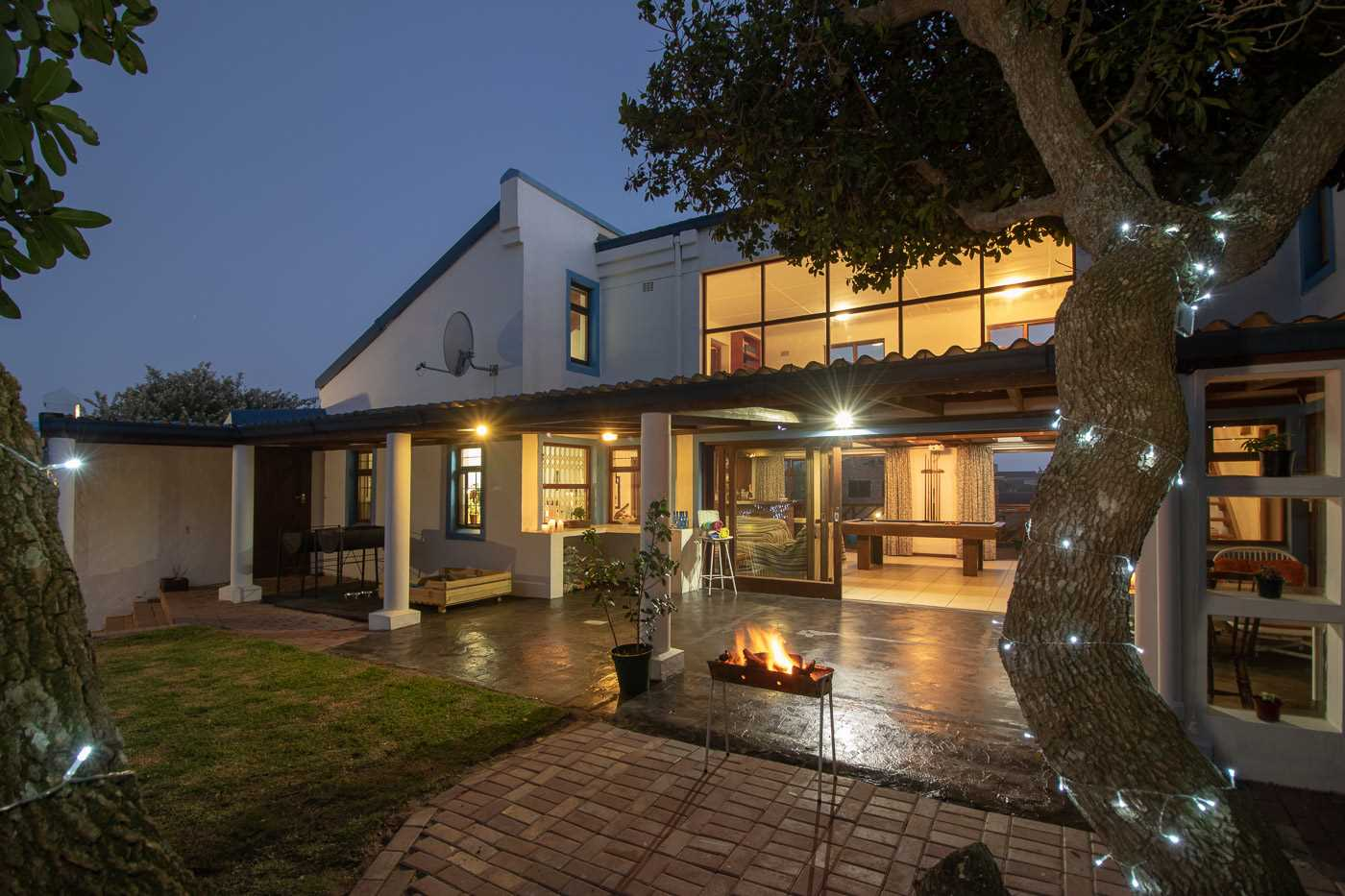 Five Bedroom Holiday Home with Sea Views in Port Alfred