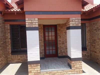 Townhouse for sale in Wilkoppies