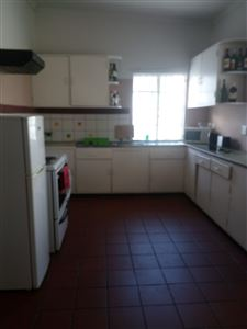 Grahamstown property to rent. Ref No: 13245720. Picture no 9