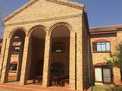 Property and Houses to rent in Hennopspark, Commercial - ZAR ,  3,00*,