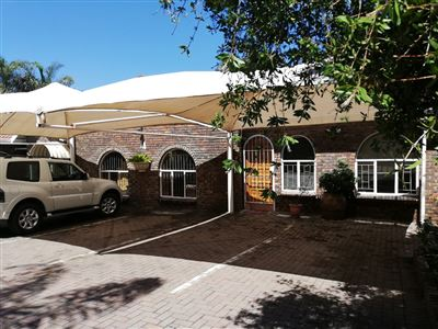 Property and Houses for sale in Rooihuiskraal, House, 5 Bedrooms - ZAR 2,150,000