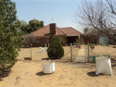Property and Houses for sale in Vierfontein, House, 3 Bedrooms - ZAR 240,000