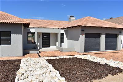 House for sale in Langebaan Country Estate