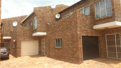 Johannesburg, La Rochelle Property  | Houses For Sale La Rochelle, La Rochelle, Townhouse 3 bedrooms property for sale Price:565,000