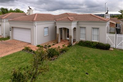 Townhouse for sale in Sonstraal Heights
