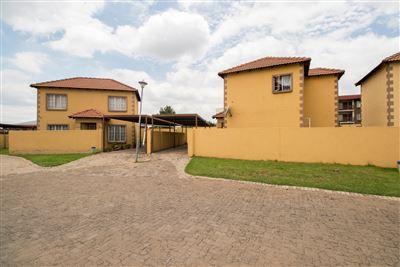Germiston, Roodekop Property  | Houses For Sale Roodekop, Roodekop, Townhouse 3 bedrooms property for sale Price:695,000