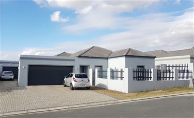 Property and Houses for sale in Burgundy Estate, House, 3 Bedrooms - ZAR 2,399,000