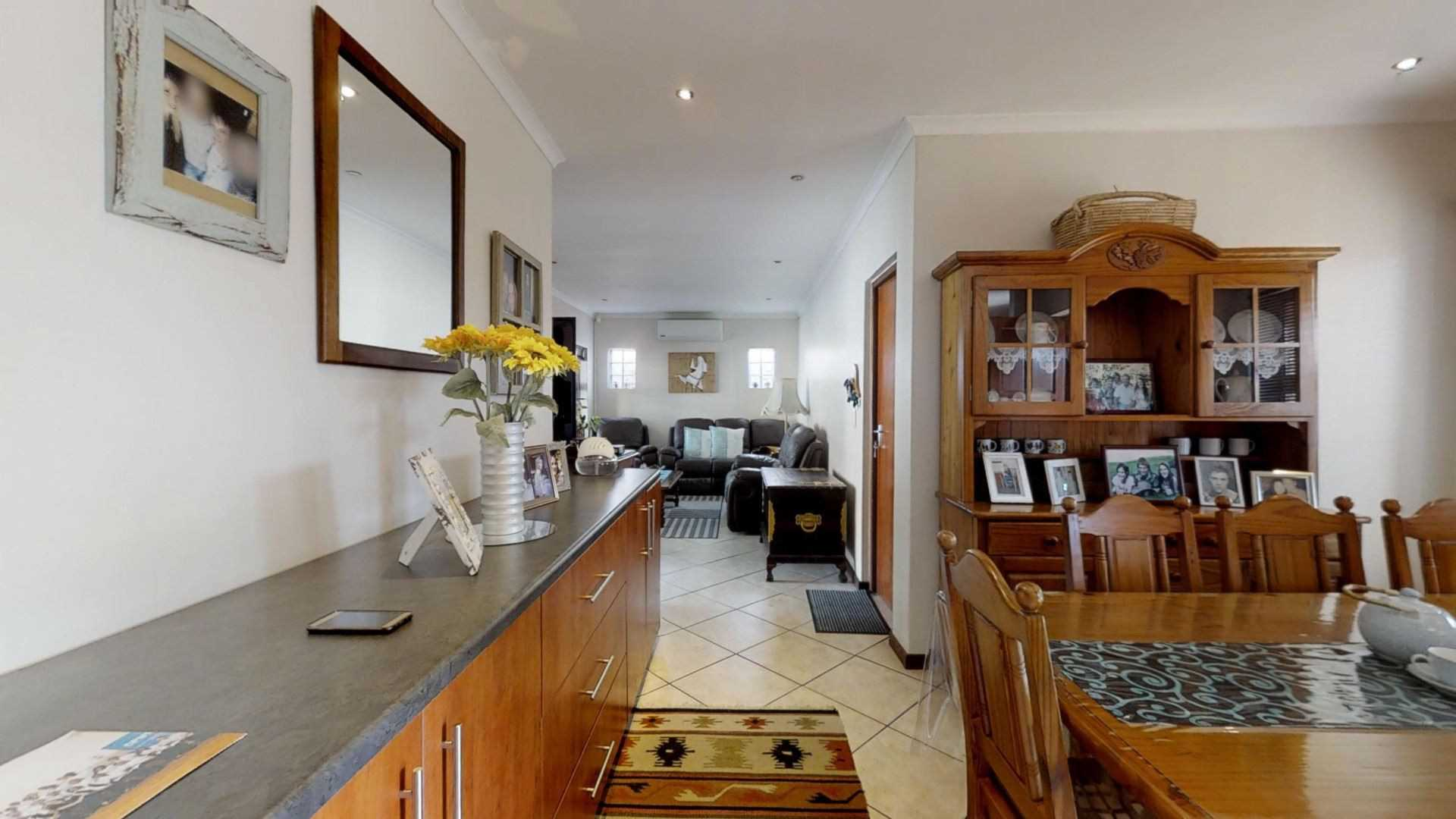 Immaculate Spacious Townhouse in Brackenfell