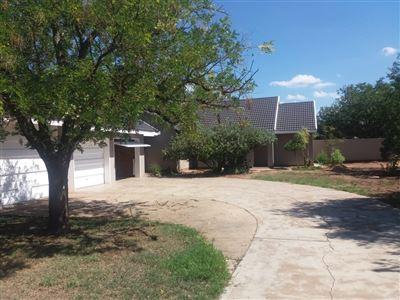 Klerksdorp, La Hoff Property  | Houses For Sale La Hoff, La Hoff, House 3 bedrooms property for sale Price:918,000