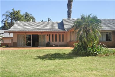 Property and Houses for sale in Die Wilgers, House, 4 Bedrooms - ZAR 2,850,000
