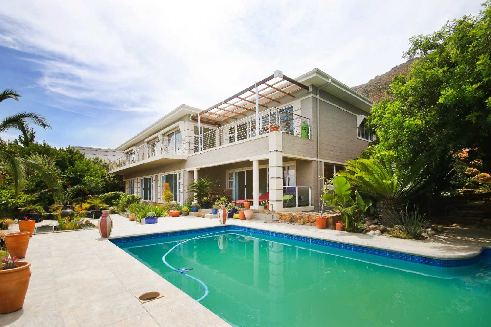 Dream living on mountainside in Gordon's Bay