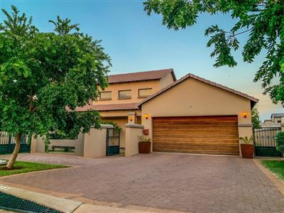 Property and Houses for sale in Raslouw Manor, House, 4 Bedrooms - ZAR 2,780,000