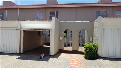 Johannesburg, Haddon Property  | Houses For Sale Haddon, Haddon, House 2 bedrooms property for sale Price:650,000