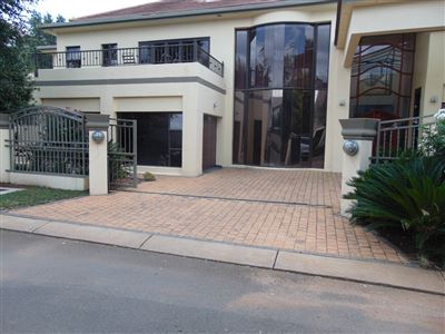 Property and Houses for sale in Zwartkop Golf Estate, House, 4 Bedrooms - ZAR 6,500,000